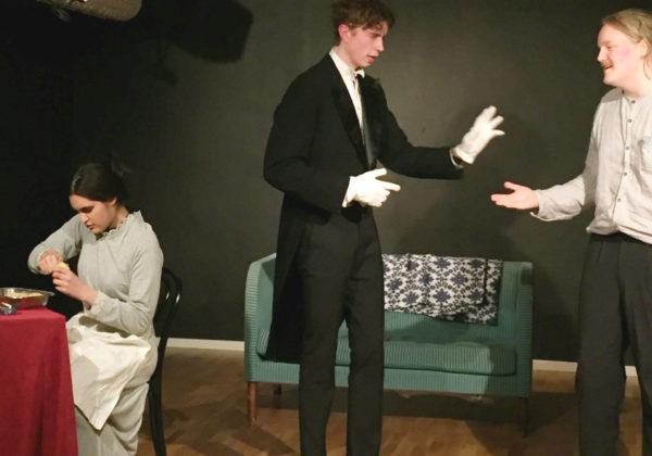 Teaterföreställning med skådespelare